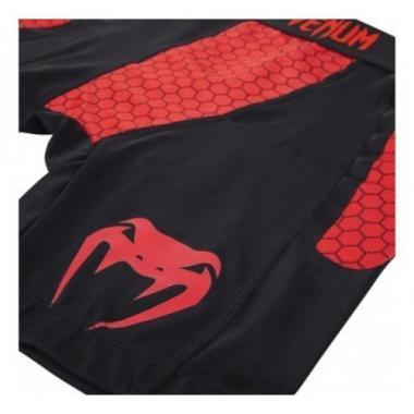 """Компрессионные шорты Venum """"Absolute"""" Compression Shorts - черно-красные"""